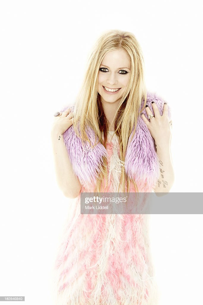 Avril lavigne hello canada may 13 2013 singer avril lavigne is photographed for hello canada on march 12 2013 in los voltagebd Gallery