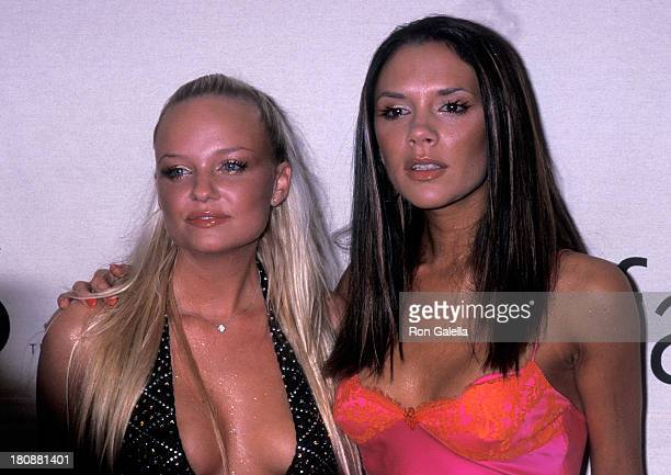 Singer Baby Spice Emma Bunton and singer Posh Spice Victoria Beckham of the Spice Girls attend the 2000 VH1/Vogue Fashion Awards on October 20 2000...