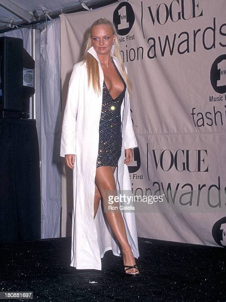Singer Baby Spice Emma Bunton the Spice Girls attends the 2000 VH1/Vogue Fashion Awards on October 20 2000 at Madison Square Garden in New York City