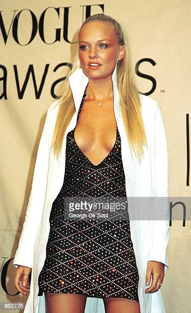 Singer Baby Spice from the British pop group Spice Girls attends the 2000 VH1/Vogue Fashion Awards October 20 2000 at the Theatre at Madison Square...