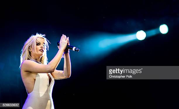 30 Top Of Female Country Singers Pictures, Photos, & Images