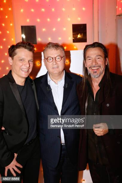 Singer Benabar, main guest of the show, Dominique Besnehard and singer Florent Pagny attend the 'Vivement Dimanche' French TV show. Held at Pavillon...
