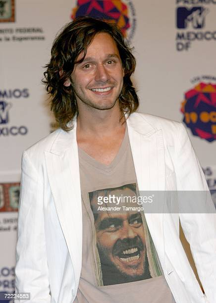 Singer Benjamin Vicuna poses for a photo in the press room during the Los Premios MTV Latino America 2006 at the Palacio De Los Deportes October 19...