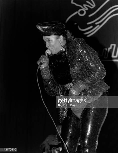 Singer Betty Wright performs at the Regal Theater in Chicago Illinois in JANUARY 1991