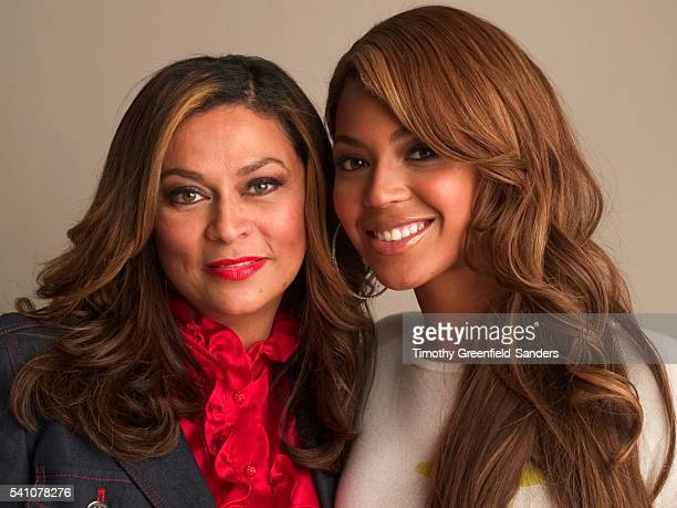 Beyoncé Knowles with her mother Tina Knowles