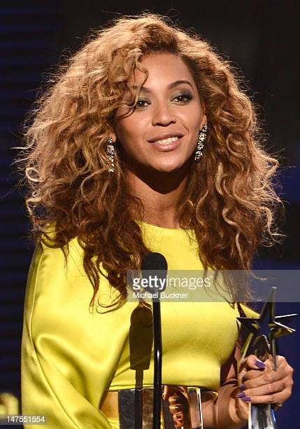 1 913 Beyonce Curly Hair Photos And Premium High Res Pictures Getty Images