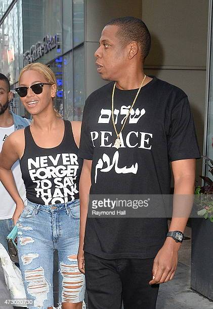 Singer Beyonce and Jay Z are seen walking in Midtown on May 11 2015 in New York City