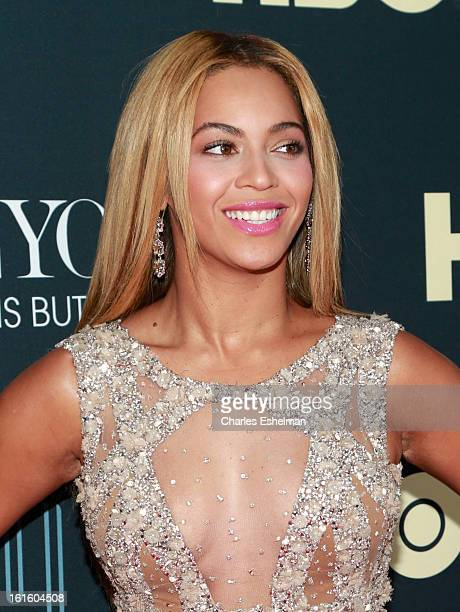 Singer Beyonce arrives at Beyonce Life Is But A Dream New York Premiere at Ziegfeld Theater on February 12 2013 in New York City
