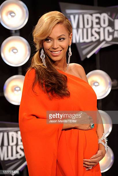 Singer Beyonce arrives at the 2011 MTV Video Music Awards at Nokia Theatre LA LIVE on August 28 2011 in Los Angeles California