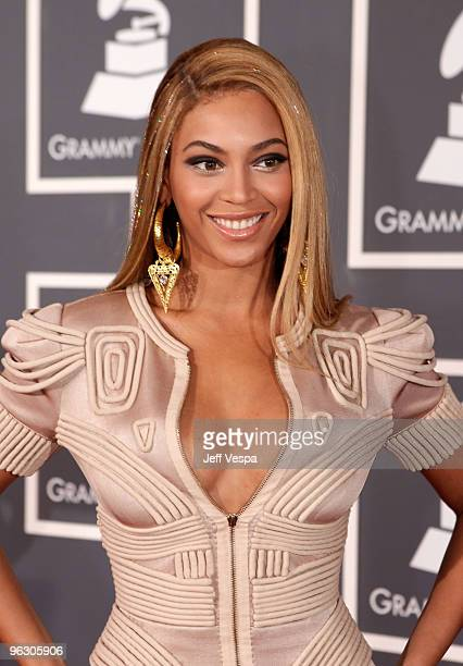 Singer Beyonce arrives at the 52nd Annual GRAMMY Awards held at Staples Center on January 31, 2010 in Los Angeles, California.