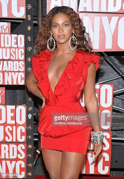 Singer Beyonce attends the 2009 MTV Video Music Awards at Radio City Music Hall on September 13 2009 in New York City