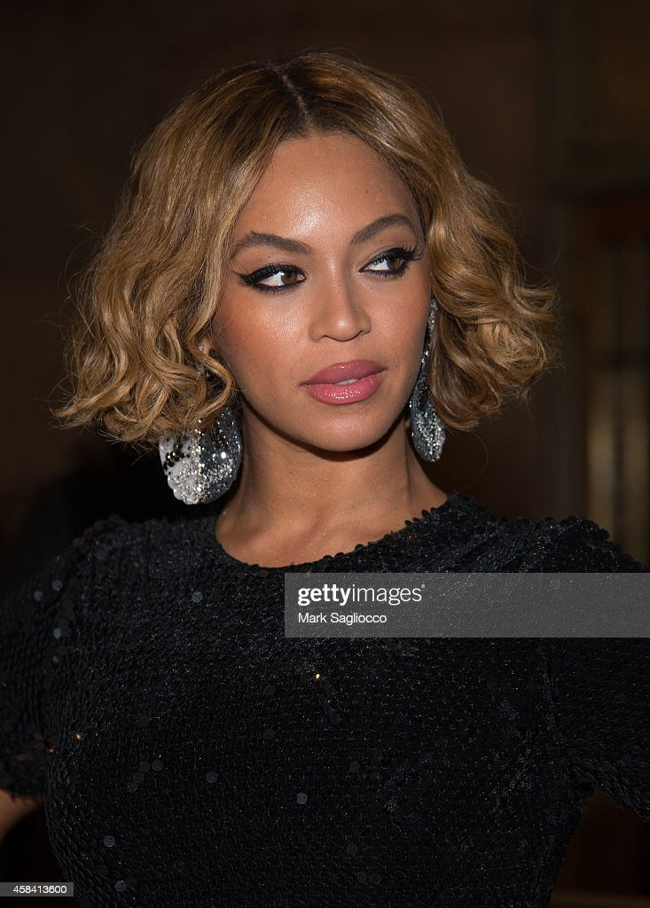 Topshop Topman New York City Flagship Opening Dinner - Outside Arrivals : News Photo