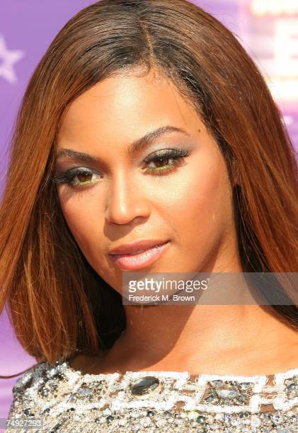 Singer Beyonce Knowles arrives at the 2007 BET Awards held at the Shrine Auditorium on June 26 2007 in Los Angeles California