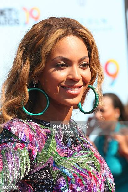 Singer Beyonce Knowles arrives at the 2009 BET Awards at the Shrine Auditorium on June 28 2009 in Los Angeles California