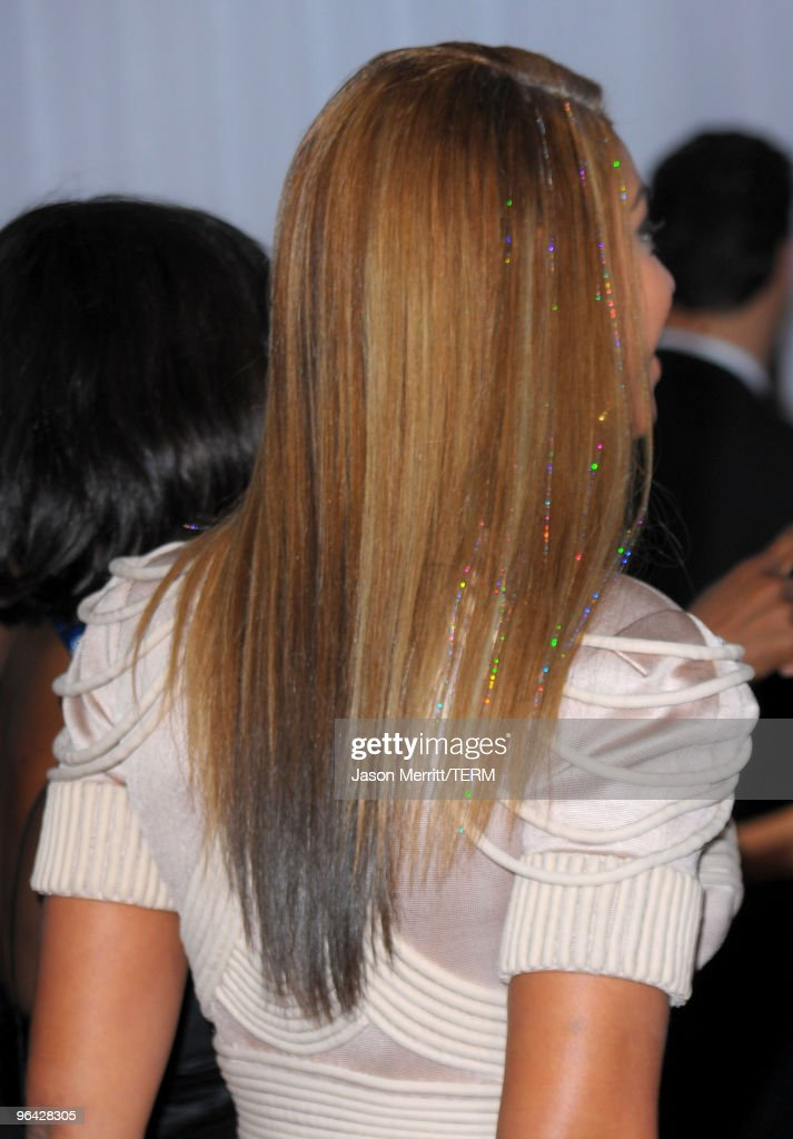 Singer Beyonce Knowles (hair detail) arrives at the 52nd Annual GRAMMY Awards held at Staples Center on January 31, 2010 in Los Angeles, California.
