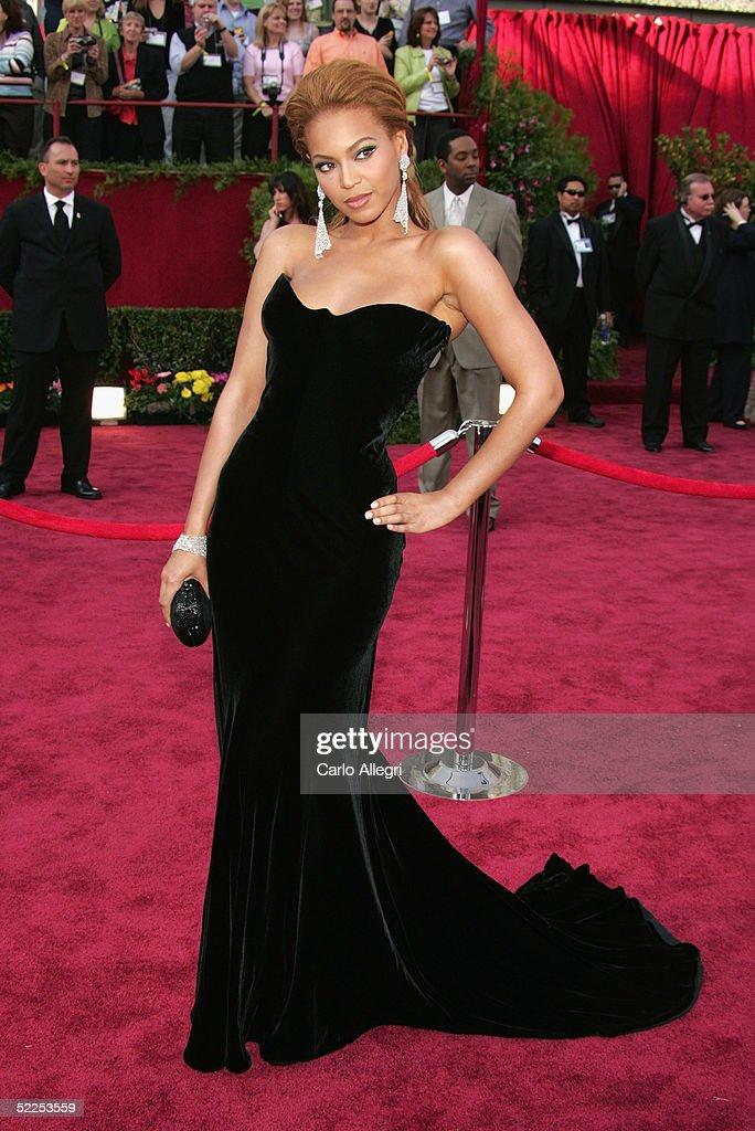 77th Annual Academy Awards - Arrivals : News Photo