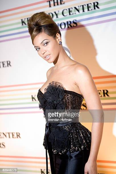 Singer Beyonce Knowles arrives at the Kennedy Center for the Kennedy Center Honors on December 7 2008 in Washington DC In its 31st year the Kennedy...