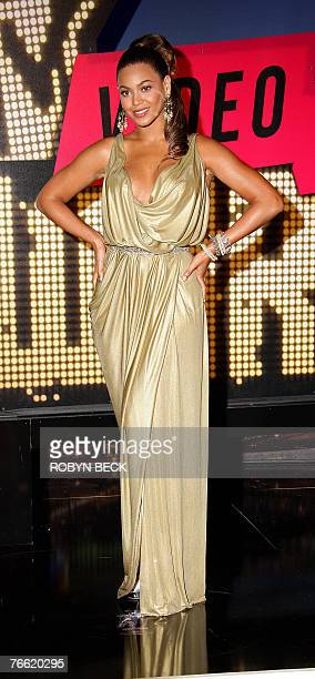 Singer Beyonce Knowles arrives for the 2007 MTV Video Music Awards at the Palms Casino, 09 September 2007 in Las Vegas, Nevada. AFP PHOTO / ROBYN BECK