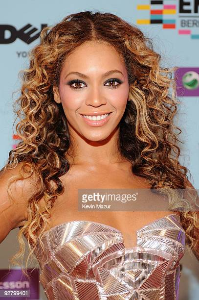 Singer Beyonce Knowles arrives for the 2009 MTV Europe Music Awards held at the O2 Arena on November 5 2009 in Berlin Germany