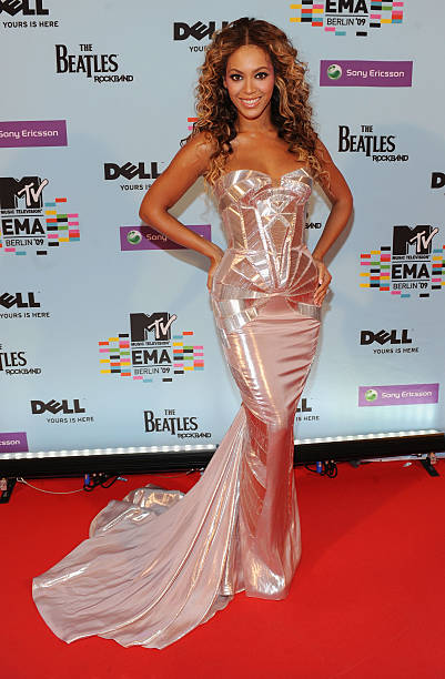 MTV Europe Music Awards 2009 - VIP Arrivals Photos and Images ...