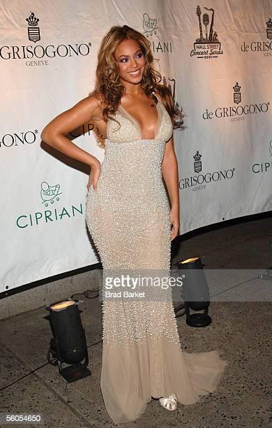 Singer Beyonce Knowles arrives for The Cipriani Wall Street Concert Series at Cipriani Wall Street on November 1, 2005 in New York City.