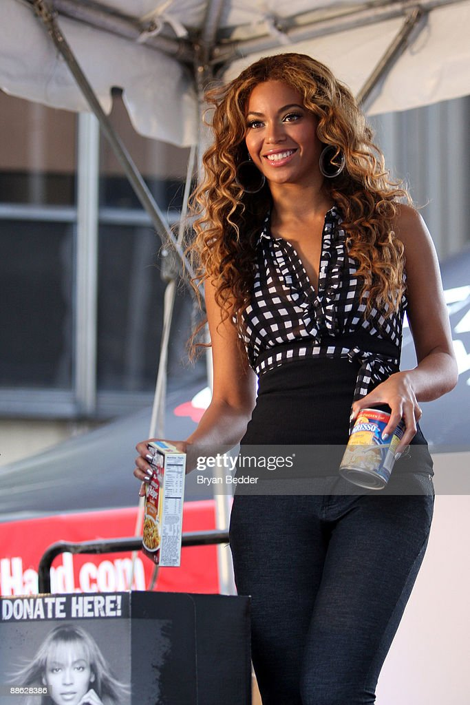 Singer Beyonce Knowles attends the national 'Show Your Helping Hand' hunger relief initiative kickoff at Madison Square Garden on June 22, 2009 in New York City.