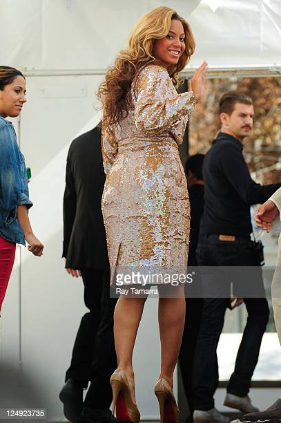 Singer Beyonce Knowles enters Fashion Week at Lincoln Center on September 13 2011 in New York City