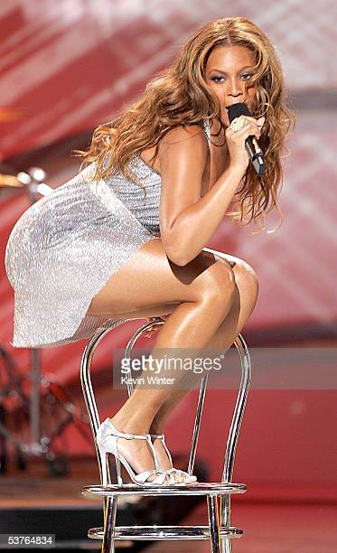 Singer Beyonce Knowles of Destiny's Child performs onstage at the 2005 World Music Awards at the Kodak Theatre on August 31, 2005 in Hollywood,...