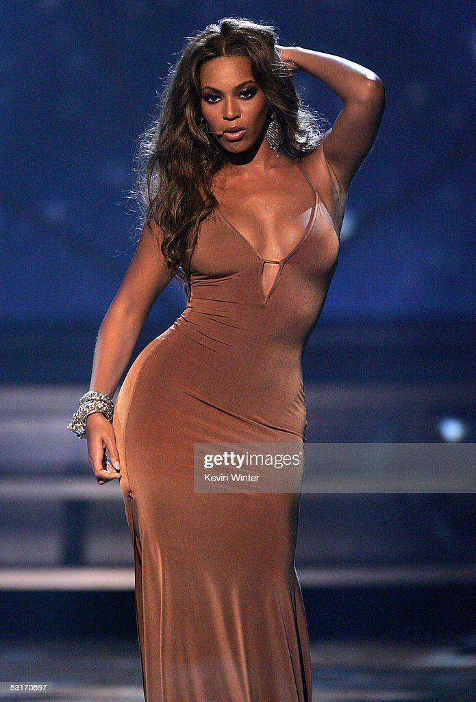Singer Beyonce Knowles of Destiny's Child performs onstage at the BET Awards 05 at the Kodak Theatre on June 28, 2005 in Hollywood, California.