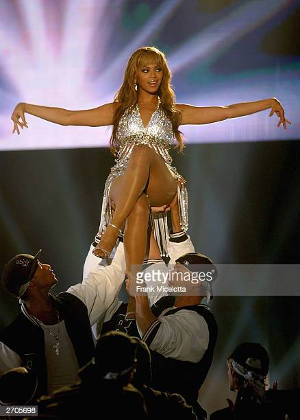 Singer Beyonce Knowles performs on stage during the 2003 MTV Europe Music Awards at Ocean Terminal on November 6 2003 in Edinburgh Scotland
