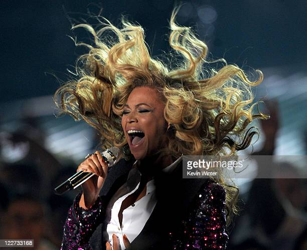 Singer Beyonce Knowles performs onstage during the 2011 MTV Video Music Awards at Nokia Theatre LA LIVE on August 28 2011 in Los Angeles California