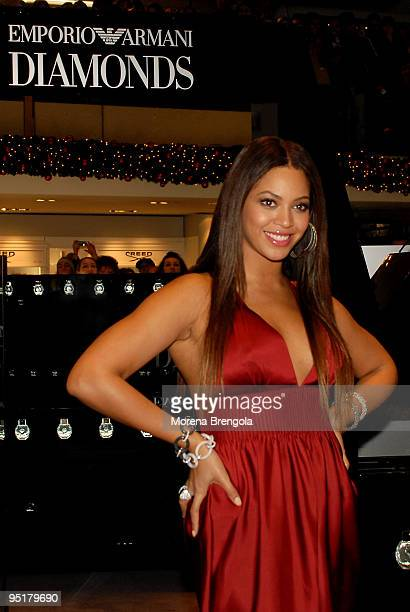 Singer Beyonce Knowles presents Emporio Armani Diamonds Fragrance at La Rinascente on december 17 2007 in Milan Italy