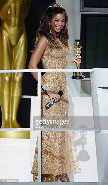 Singer Beyonce Knowles receives the Best R&B artist award during the 2006 World Music Awards at Earls Court on November 15, 2006 in London.