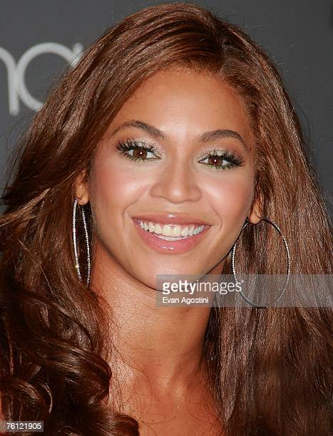 Singer Beyonce launches 'Emporio Armani Diamonds' perfume at Macy's Herald Square August 16 2007 in New York City