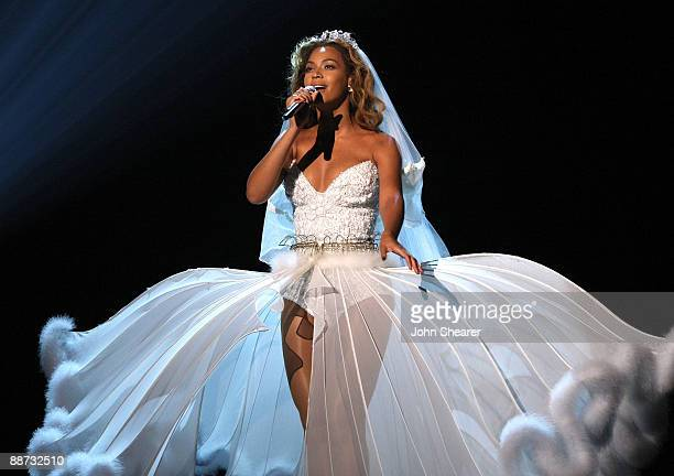 Beyonce wedding dress stock photos and pictures getty images for Beyonce wedding dress pictures