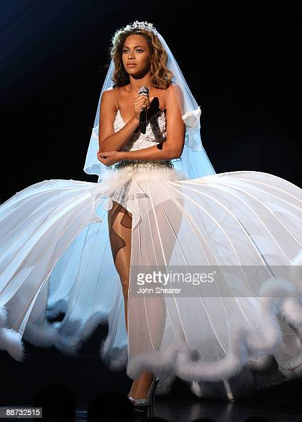 Singer Beyonce onstage at the 2009 BET Awards at the Shrine Auditorium on June 28 2009 in Los Angeles California