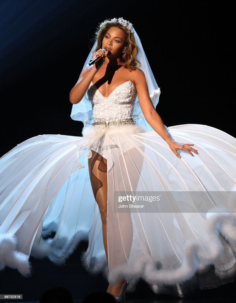 Beyonce wedding dress pictures