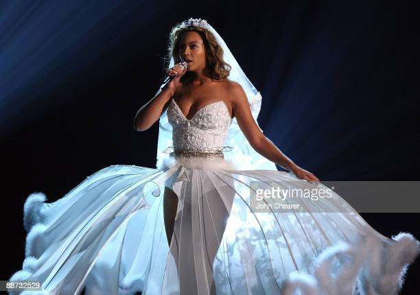 Beyonce Wedding Dress Stock Photos And Pictures