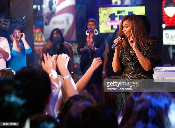 """Singer Beyonce performs during MTV's TRL """"Total Finale Live"""" at the MTV Studios in Times Square on November 16, 2008 in New York City."""
