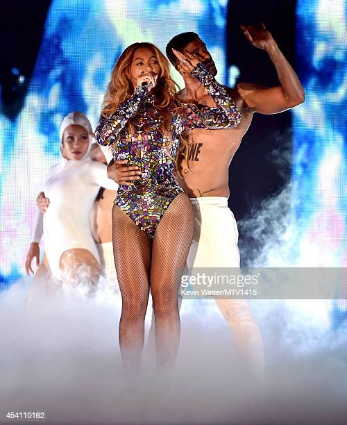 Singer Beyonce performs onstage during the 2014 MTV Video Music Awards at The Forum on August 24 2014 in Inglewood California
