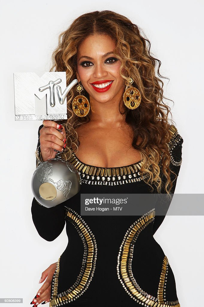 2009 saw Beyonce walk away with three awards in Berlin.