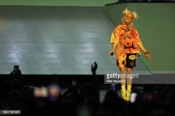 Singer Billie Eilish performs during the 2021 iHeartRadio Music Festival at T-Mobile Arena on September 18, 2021 in Las Vegas, Nevada.