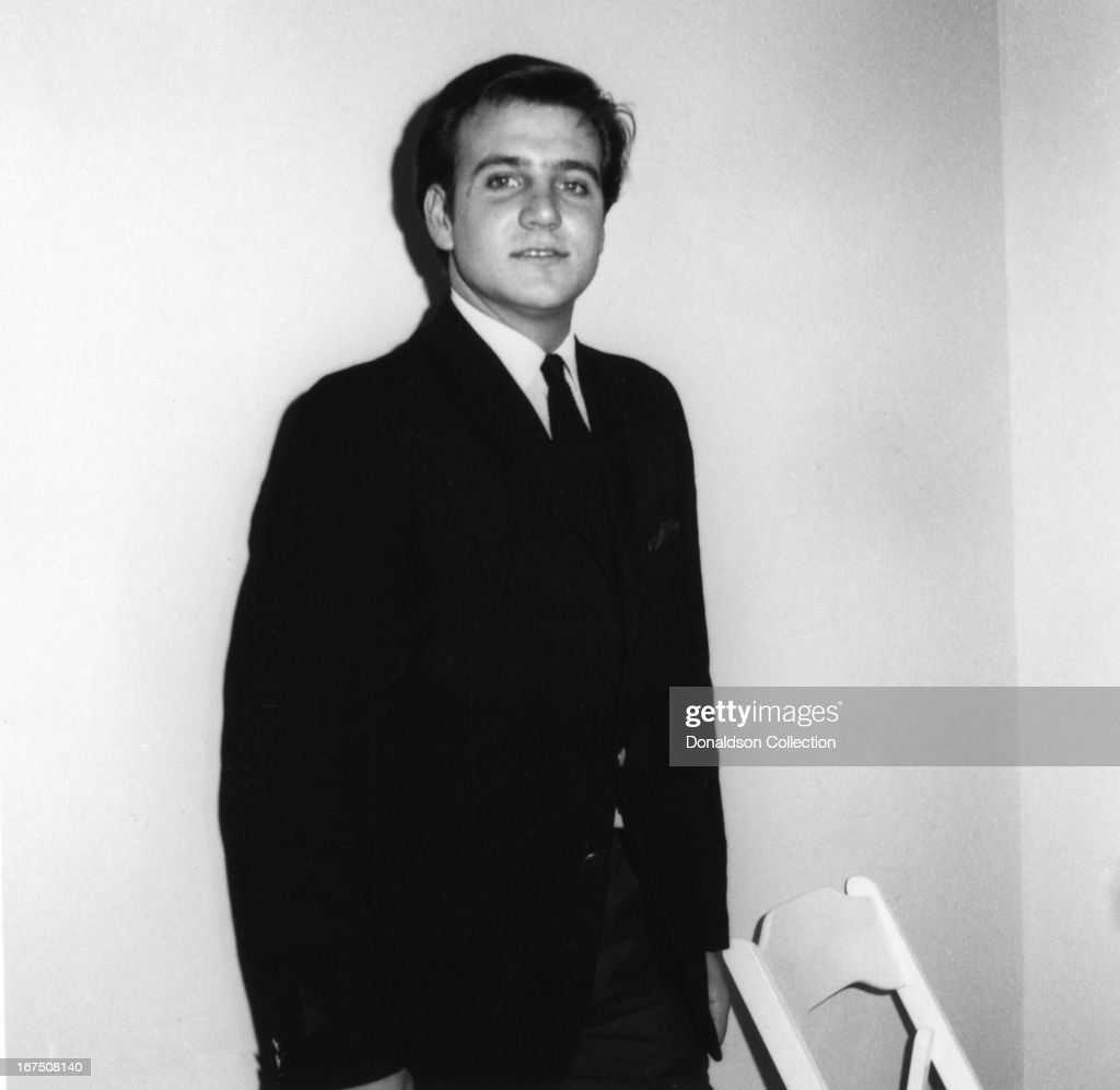 Singer Billy J. Kramer of the group 'Billy J. Kramer And The Dakotas' poses for a portrait holding in circa 1964 .