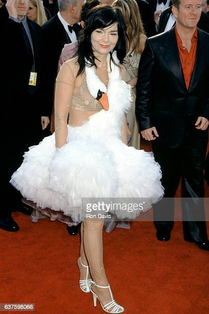 Singer Bjork wearing a swan dress is a Best Song nomminee for Dancer in the Dark as she arrives for The 73rd Annual Academy Awards on March 25 2001...
