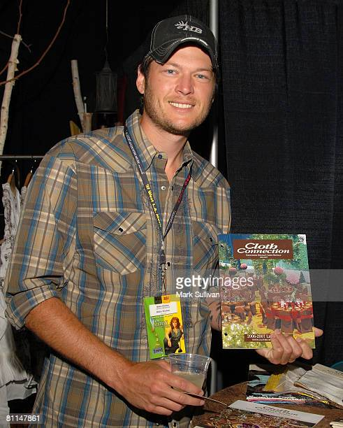 Singer Blake Shelton in Backstage Creations poses at the 2008 Academy of Country Music Awards held on May 18 2008 in Las Vegas Nevada
