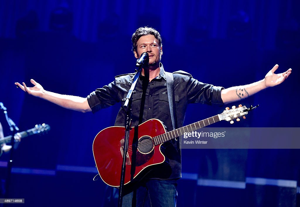 Singer Blake Shelton performs at the 2015 iHeartRadio Music Festival at the MGM Grand Garden Arena on September 19, 2015 in Las Vegas, Nevada.