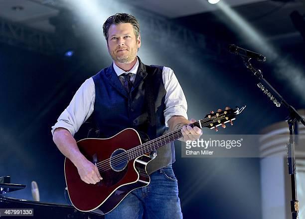 Singer Blake Shelton performs onstage during Muhammad Ali's Celebrity Fight Night XXI at the JW Marriott Phoenix Desert Ridge Resort & Spa on March...