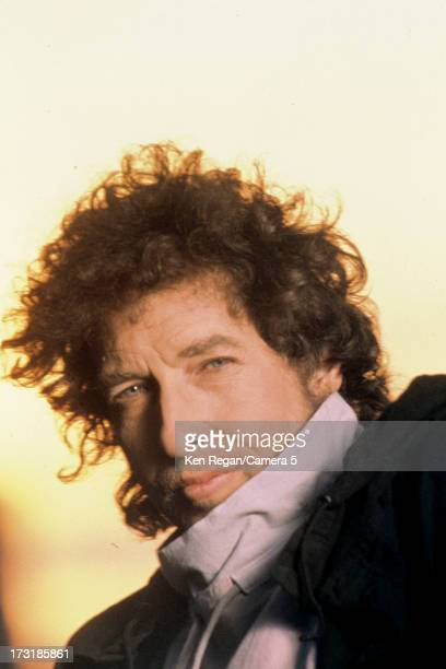 Singer Bob Dylan is photographed at a portrait shoot in 1986 in Dublin Ireland CREDIT MUST READ Ken Regan/Camera 5 via Contour by Getty Images