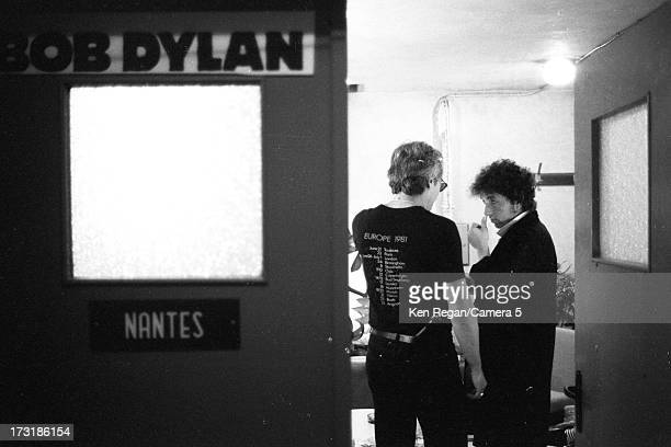 Singer Bob Dylan is photographed backstage on June 30 1984 in Nantes France CREDIT MUST READ Ken Regan/Camera 5 via Contour by Getty Images