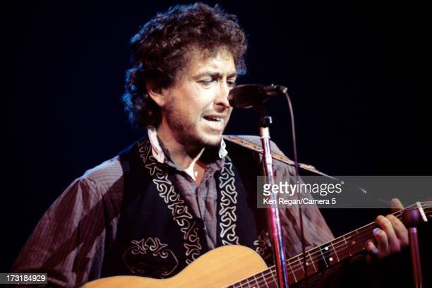 Singer Bob Dylan is photographed performing in 1971 CREDIT MUST READ Ken Regan/Camera 5 via Contour by Getty Images